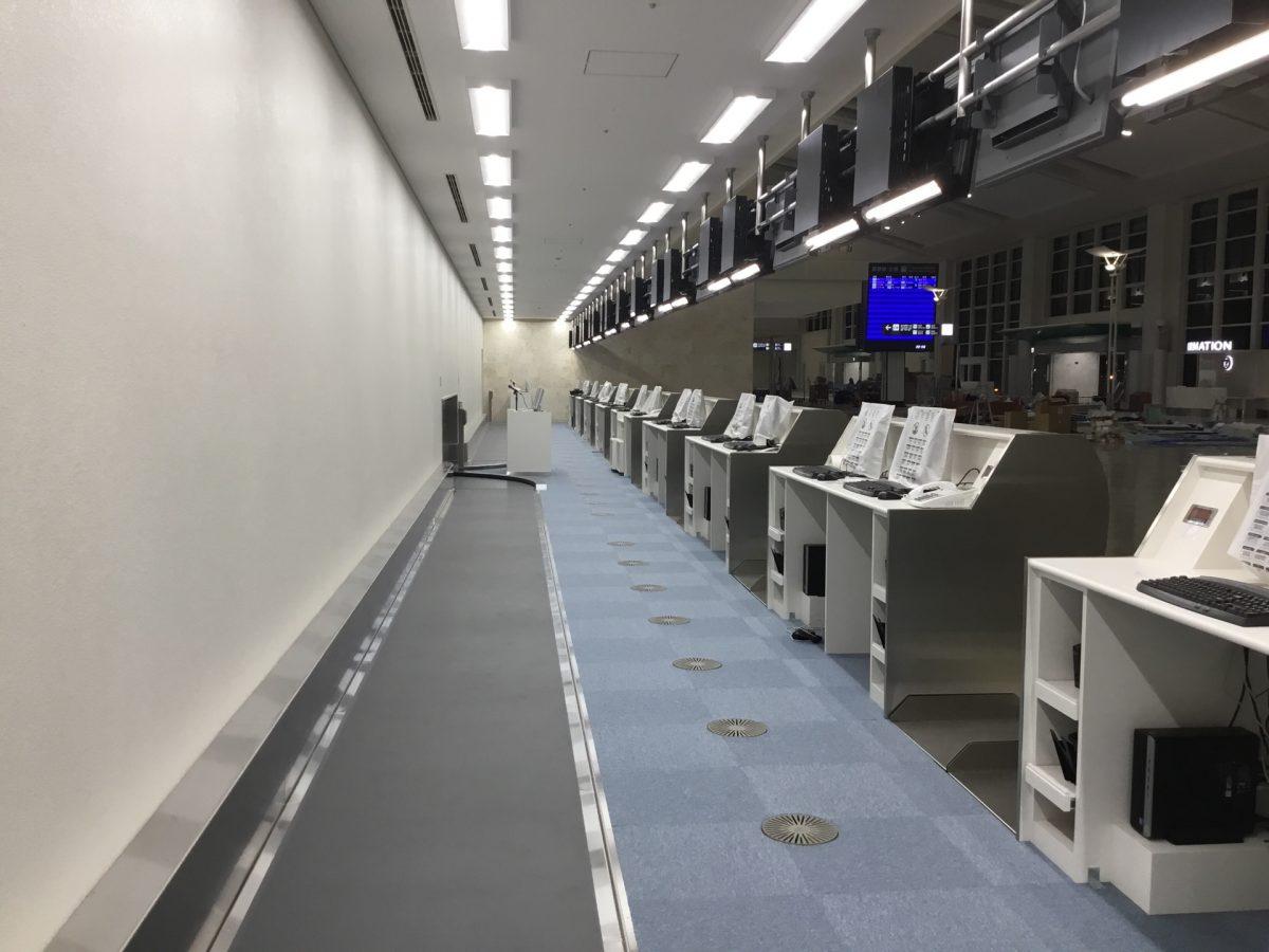 那覇空港際内連結ターミナル施設建設工事 OAフロア工事